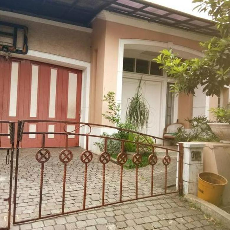 Rumah Cantik Lokasi Strategis di Cinere