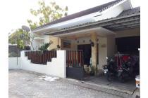 Rumah siap huni tanah luas Lokasi strategis di Purwomartani
