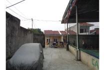 Rumah mungil + Lapangan Futsal di Ciapus