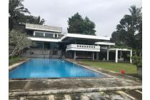 Villa Di Jalan Puncak Raya, Cipayung, Cisarua, Bogor