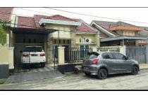 Rumah di Jalan Utama Kencana Damai