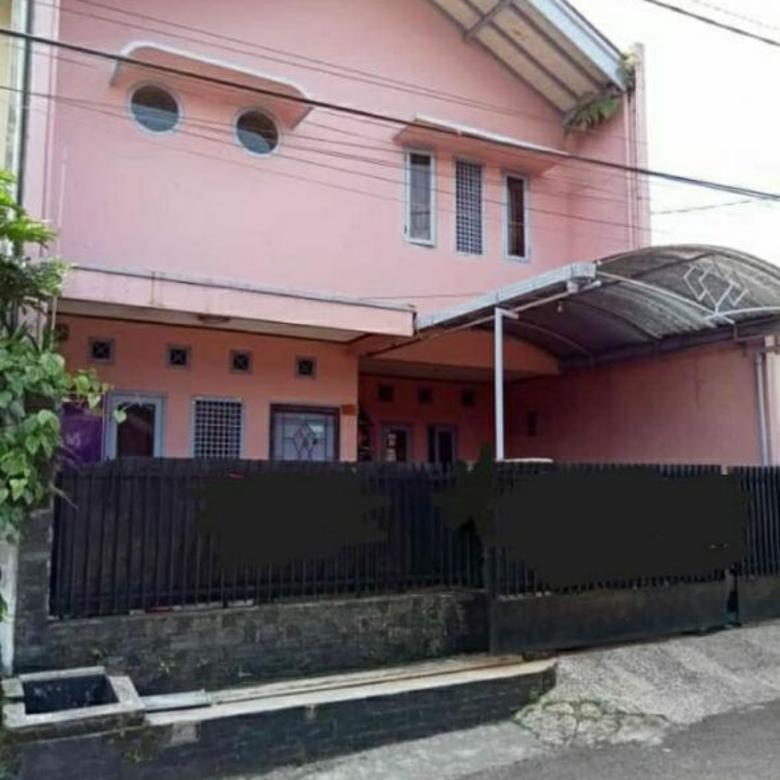 Rumah terawat dan nyaman di Cisangkan Cimahi