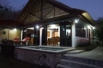 Villa di Nusa lembongan, Pinggir Pantai, Tanah Luas