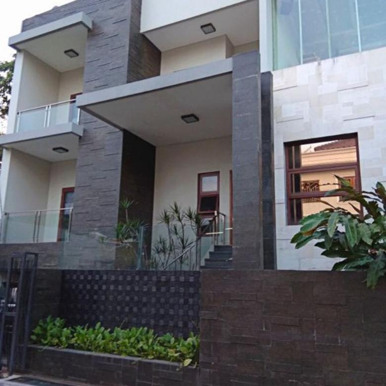 Sangat Mewah Rumah 3 lantai, Pool,  Kebayoran Lama