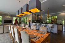 Luxury Villa Dengan Big Garden Plus Lintasan Kuda Lokasi Lovina