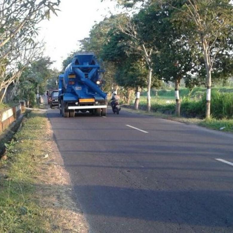 Tanah dijual 2,3 ha di Jalan Raya Krasan, Ubud, Bali.