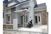Rumah minimalis modern baru bangun dekat dengan uii jakal