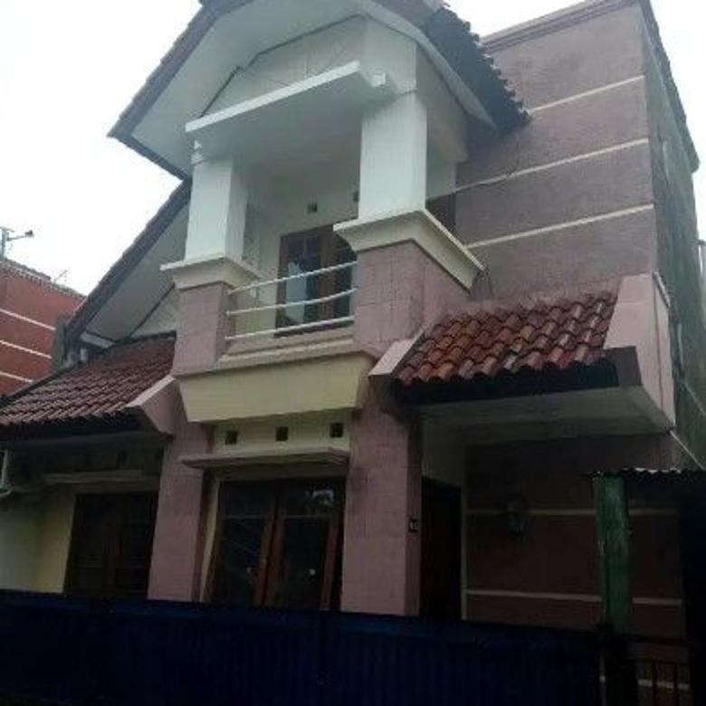 Rumah 2 Lantai dalam Perum di Jl Anggajaya Lokasi Strategis