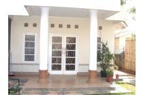 Rumah di BINTARO dengan TANAH LUAS, UNIK dan NYAMAN