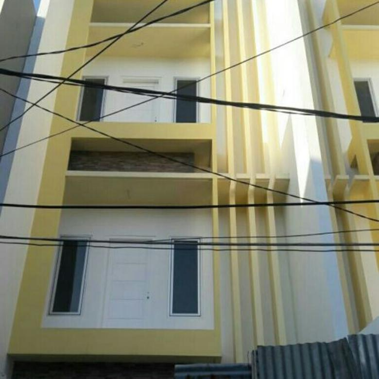 Dijual rumah baru uk 4.5x15m bebas banjir di komplek jelambar