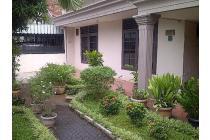 Dijual rumah lama, asri,nyaman dan tenang di area Cempaka Putih