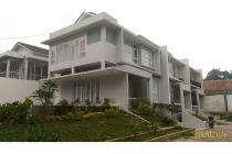 Rumah Dijual Di Jalan Kahfi 1, Jagakarsa, Berada di Hook, Private Swimming