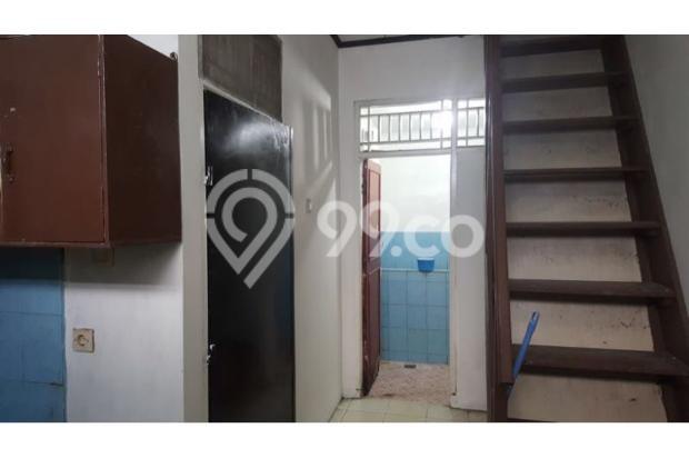 toilet dan tangga menuju lantai jemuran 17697908