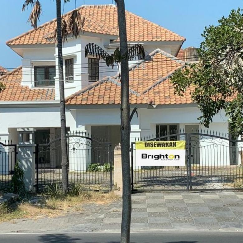 RUMAH USAHA 2LT STRATEGIS UNTUK KANTOR BANK RESTO DHARMAHUSADA