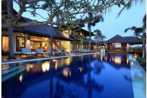 Villa 6 Kamar Tidur Hak Milik di Batu Bolong, Canggu