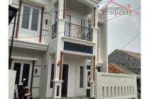 Dijual Rumah Siap Huni 2 lantai di Cipedak Jakarta Selatan