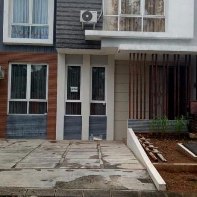 rumah 2 lantai semi furnish dalam perumahan modern hill pondok cabe