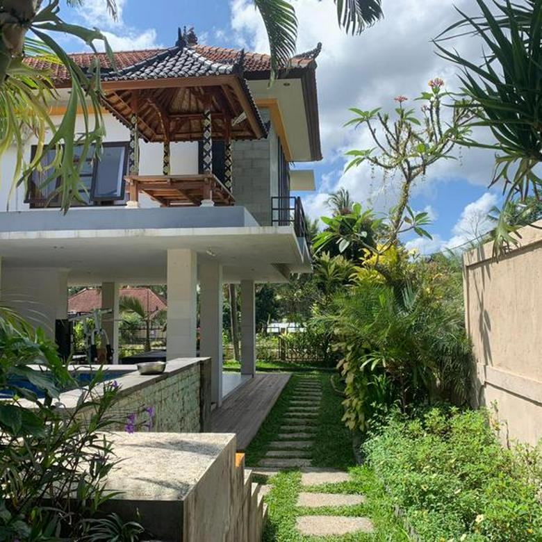 villa in ubud with rice fiels view