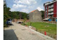 Dicari rumah di tengah kota Surabaya 2 Lantai Rp. 600 juta