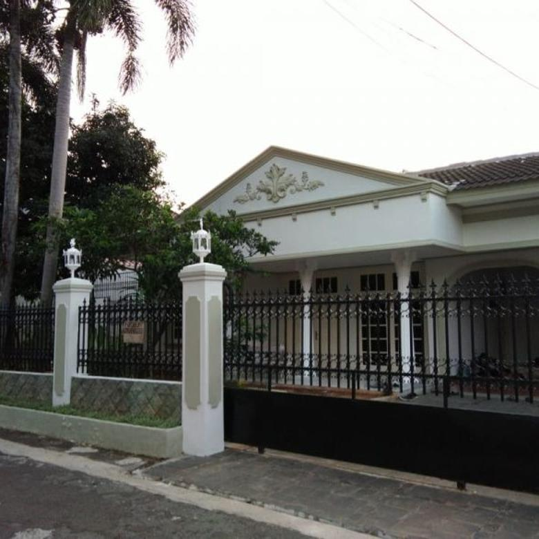 For Rent Beautiful 4BR House with Swimming Pool at Ampera