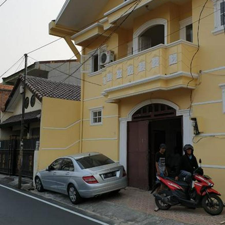 Rumah Kost / Kantor di Tebet ada 15 kamr kost dekat stasiun strategis