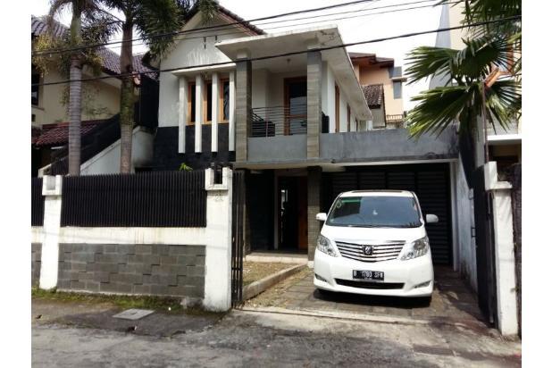 Rumah dijual di Sarijadi Bandung, Rumah kokoh dan terawat | Ri 13916737