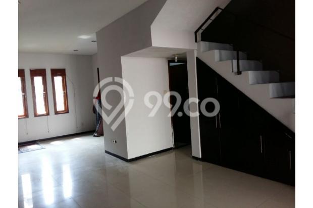 Rumah dijual di Sarijadi Bandung, Rumah kokoh dan terawat | Ri 13916759