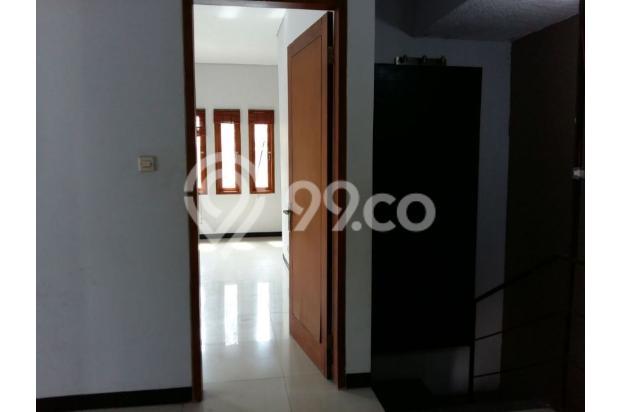 Rumah dijual di Sarijadi Bandung, Rumah kokoh dan terawat | Ri 13916760