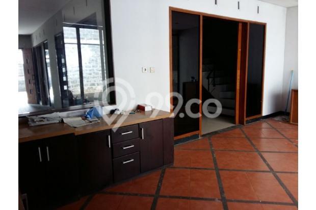Rumah dijual di Sarijadi Bandung, Rumah kokoh dan terawat | Ri 13916765