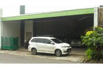Showroom LT 1500m² di Jebres Surakarta