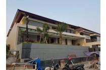 Dijual Rumah Strategis di Graha Famili Surabaya