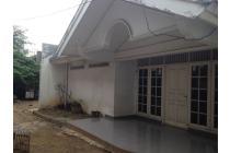 Rumah Asri dan tenang di Tanjung Duren (Kode TD 143)