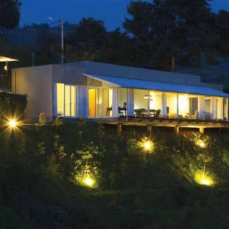 Villa minimalis 2 lantai di kawasan elite dago pakar; cimenyan