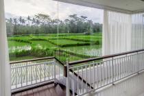 Villa nyaman dan asri