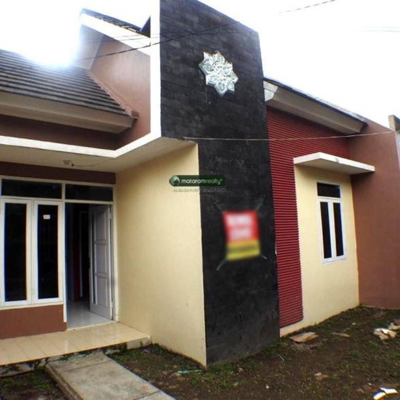 Rumah Cantik di dalam komplek perumahan Lokasi Strategis