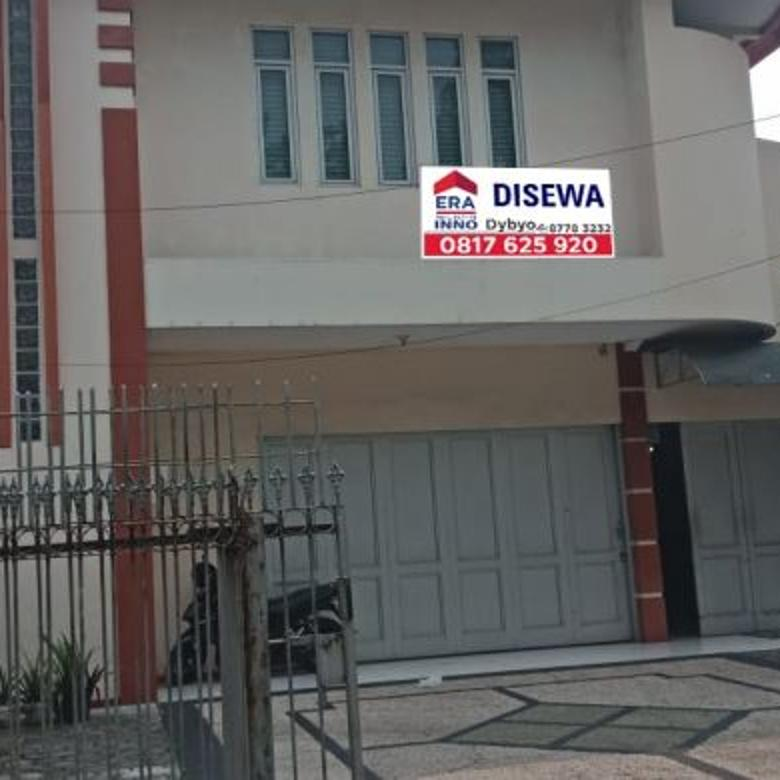Disewakan Tempat Usaha di jalan utama Buah Batu di tengah kota Bandung