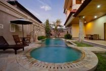 Dijual murah Rumah Semi Villa area Strategis Renon Dekat SANUR