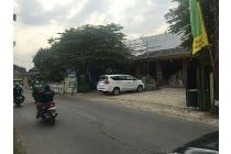 Jarang ada, tanah dan bangunan 1 km dari exit tol Cimanggis dan LRT Cibubur