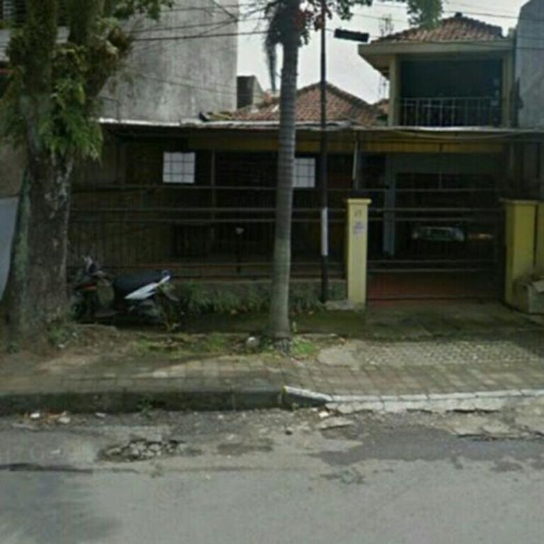 Dijual rumah tua di jalan raya