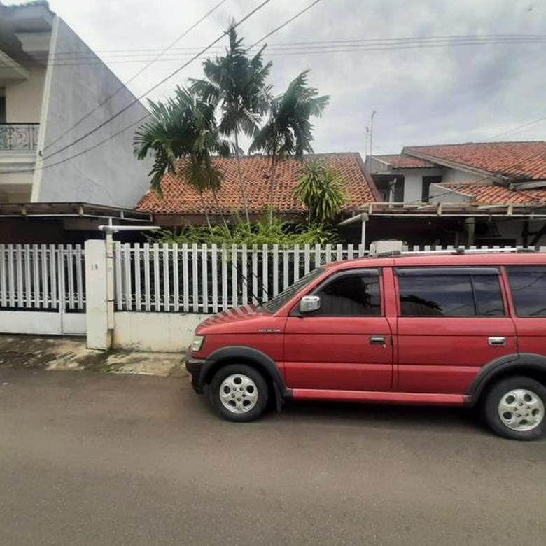 Hot Sale, Rumah Tua Hitung Tanah 3 menit ke SCBD Sudirman