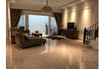 Rumah Klasik 2 lantai dan Siap Huni di Villa Gading Indah : Lt. 9x26
