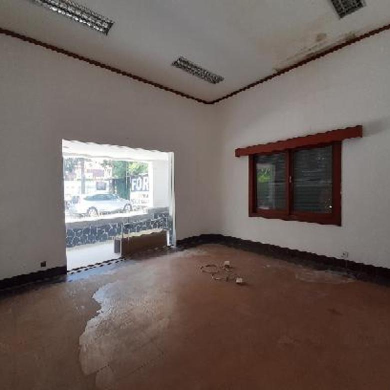 Rumah Luas Dan Strategis Cocok Untuk Bank, Kantor, Outlet, Resto Di Mainroad Jl.Dago, Bandung