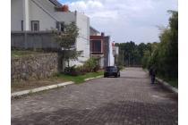 Rumah mewah di cimahi, lokasi bersebrangan dg AWC (tempat rekreasi cimahi)