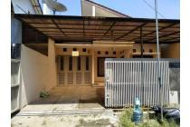 Rumah di Taman Kopo Indah 3, Lokasi Strategis