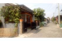 Rumah Dalam Komplek Jatiasih Nyaman Dan Asri ,Jatiasih, Bekasi