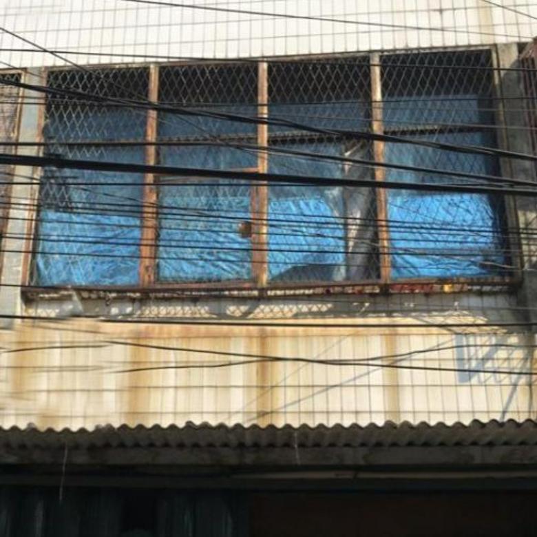 Rumah uk 4x16m Lokasi cocok Usaha/Dagang di Jelambar