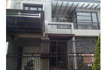 Rumah Dijual di Jl. Manyar Jaya Praja Surabaya dengan lokasi strategis