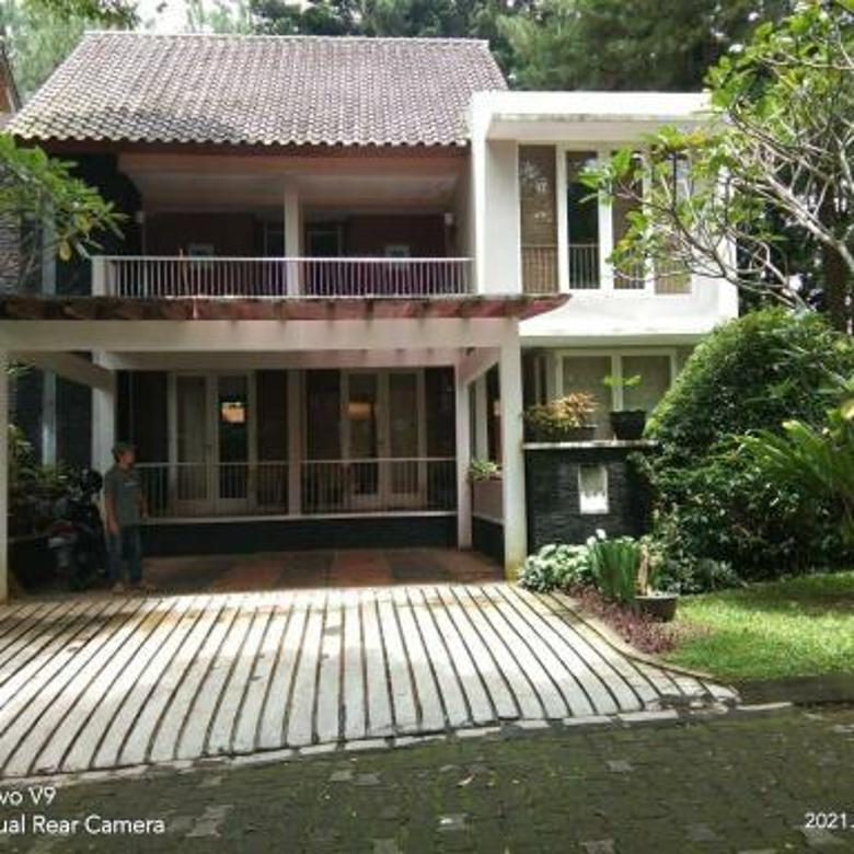 Villa Cantik di Rancamaya Estate
