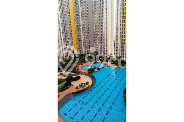 pool view 15398167