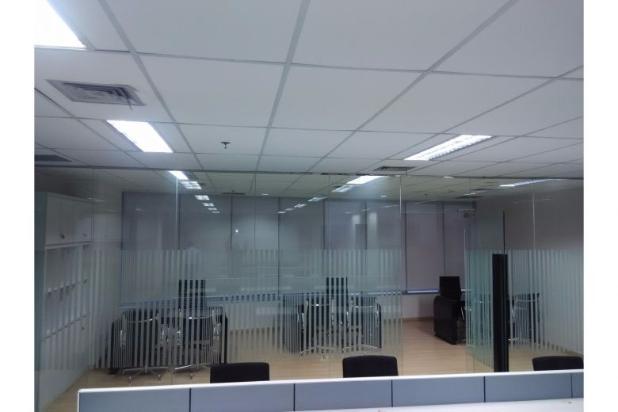 Ruang kantor disewa office the east mega kuningan 543 for Small meeting room jakarta selatan